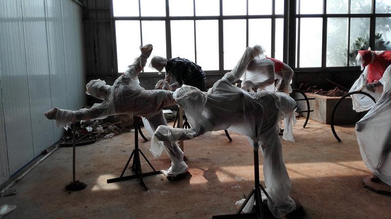 2016年扬州鉴真国际半程马拉松起跑点雕塑泥稿