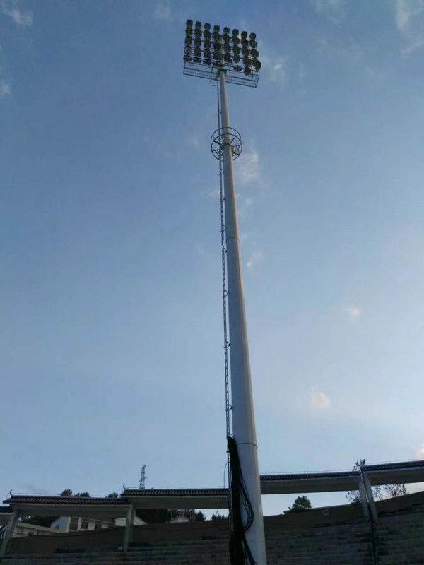 湖南客户订购体育场高杆灯吊装安装